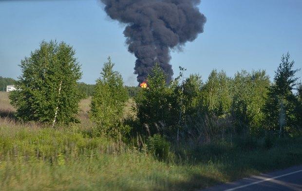 5576a4937d069 Под Киевом взорвалась нефтебаза. Все в огне. Есть погибшие (фото, видео)