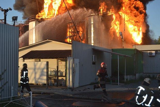 5576a5ed378b0 Под Киевом взорвалась нефтебаза. Все в огне. Есть погибшие (фото, видео)