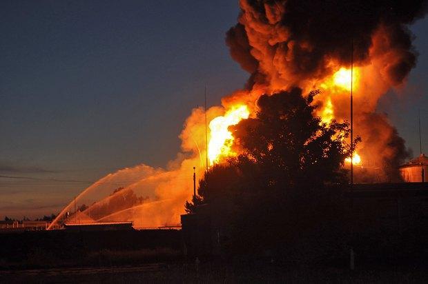 5576acc99da5c Под Киевом взорвалась нефтебаза. Все в огне. Есть погибшие (фото, видео)