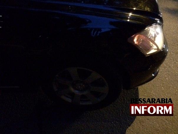 На Белгород-Днестровской столкнулись 600 Mercedes и Ваз