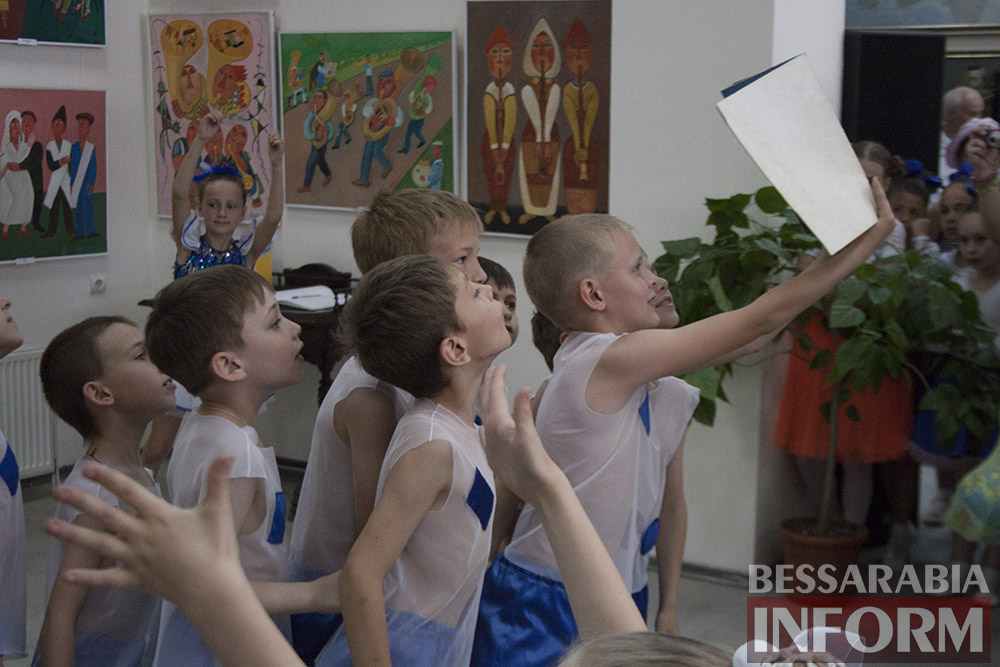 IMG_1617 Феерическая выставка детского творчества в Измаильской картинной галерее