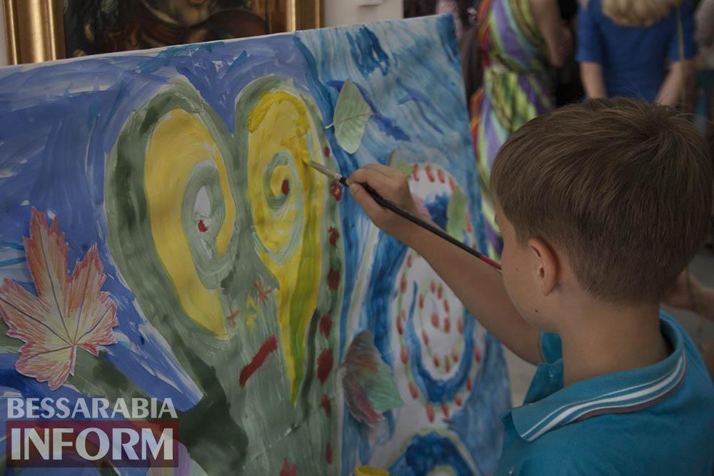 IMG_1675 Феерическая выставка детского творчества в Измаильской картинной галерее
