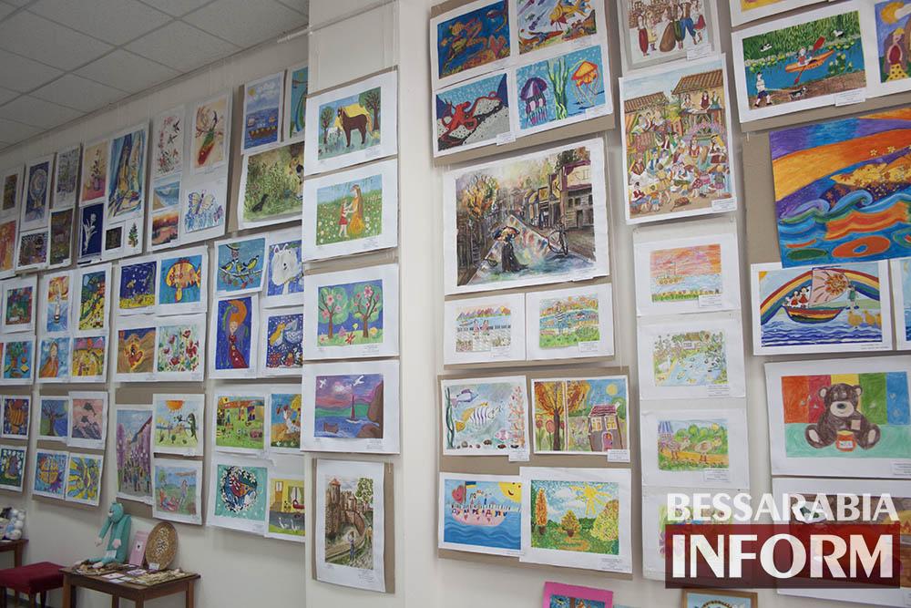 IMG_1730 Феерическая выставка детского творчества в Измаильской картинной галерее