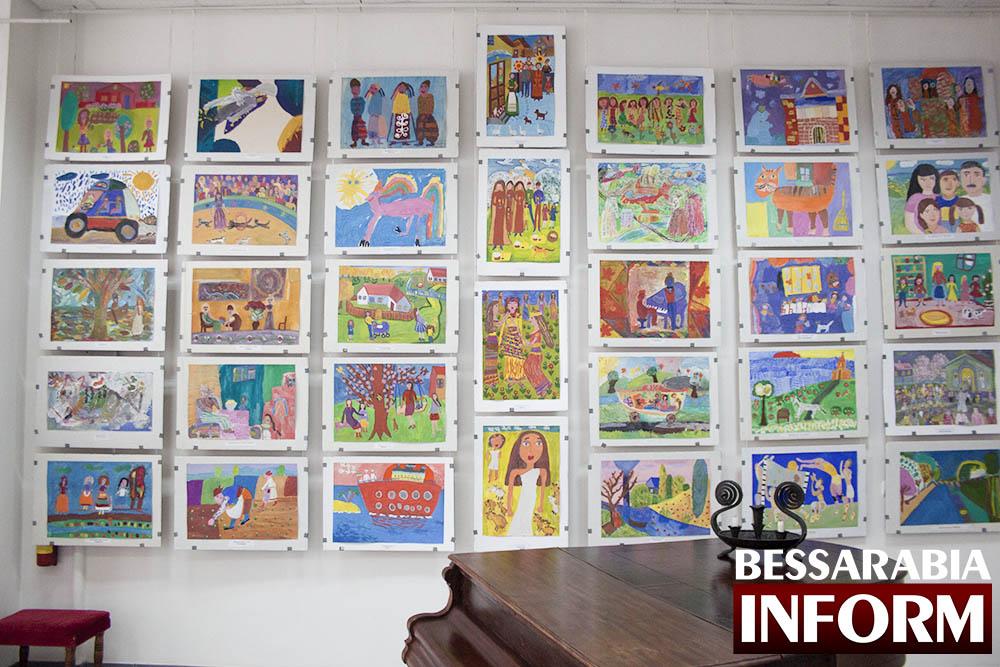 IMG_1733 Феерическая выставка детского творчества в Измаильской картинной галерее