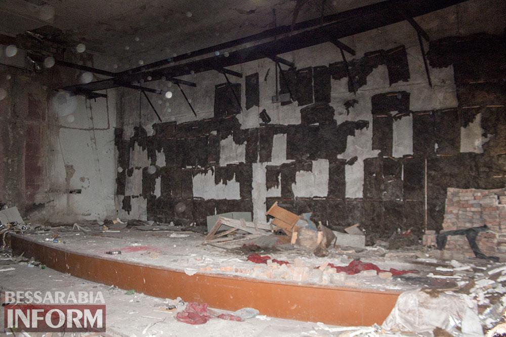 IMG_2672 Печальная судьба измаильского кинотеатра «Победа» (фоторепортаж)