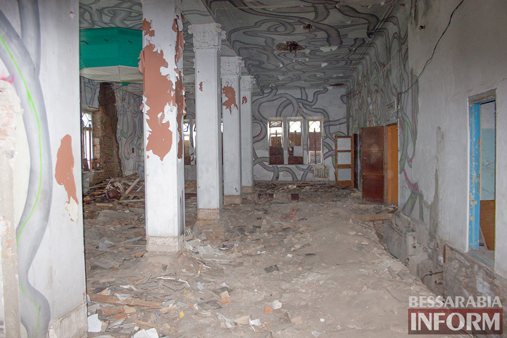 IMG_2676 Печальная судьба измаильского кинотеатра «Победа» (фоторепортаж)