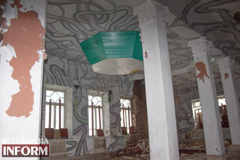 IMG_2677 Печальная судьба измаильского кинотеатра «Победа» (фоторепортаж)