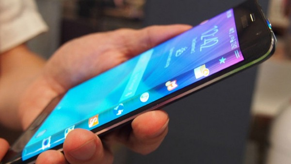 Samsung-Galaxy-S6-edge Топ-10 лучших смартфонов 2015 года