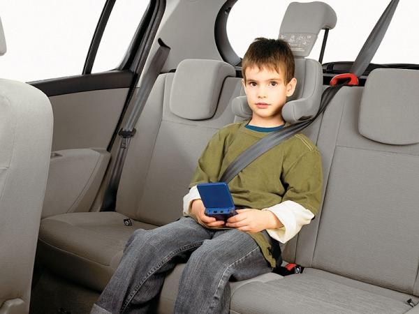 image27147086 Какое место в авто безопаснее