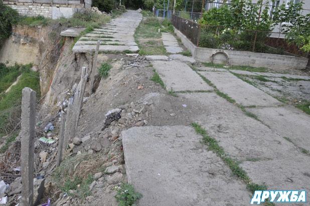 Опасные обрушения оврагов в Болграде