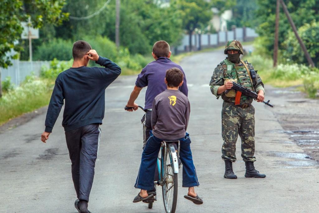 689784-01-08-1024x683 Противостояние в Мукачево: заложник, переговоры и разгон таможни