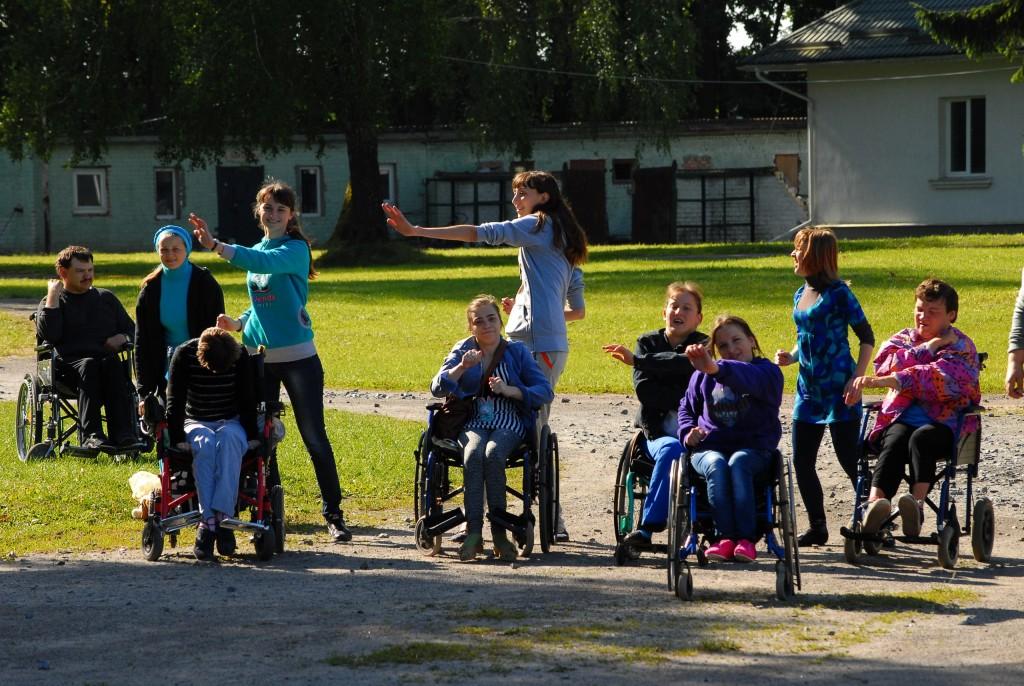 BzlwSVHBGh4-1024x686 Мир не без добрых людей: измаильчане организовывают лагерь для инвалидов
