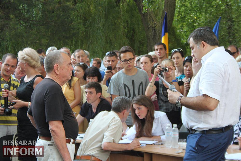 IMG_12081 Михаил Саакашвили посетил Измаил и выслушал наболевшие проблемы жителей города и района (фото)