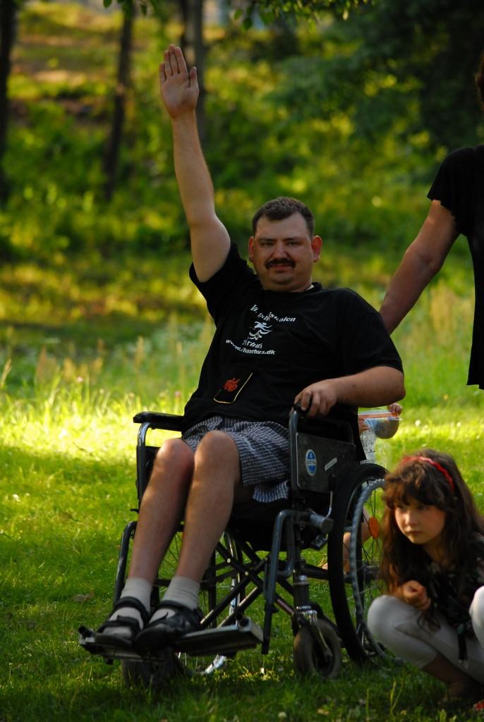 WLOBII2avC8-686x1024 Мир не без добрых людей: измаильчане организовывают лагерь для инвалидов