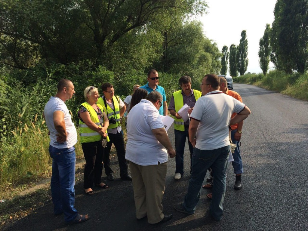 f70e1ab28042e23ac8b338896a1a4e31024d6ab21ac92a0f9dfbc917a97b460b-1024x768 Комиссия из облсовета проверила качество ремонта дорог в Измаильском р-не