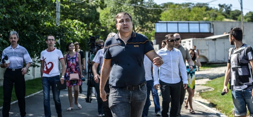 Саакашвили штурмом отобрал пляж у бывшего нардепа-олигарха (видео)