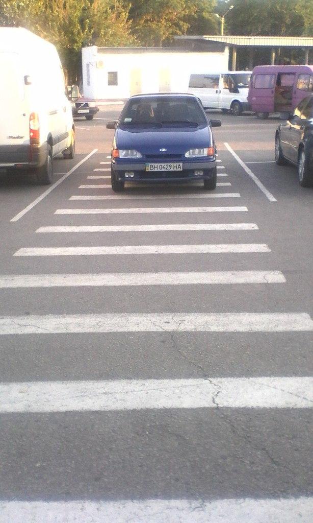 "nHkSc0-ogSM-1 ""Lada"" в рубрике ""Я паркуюсь как.."""