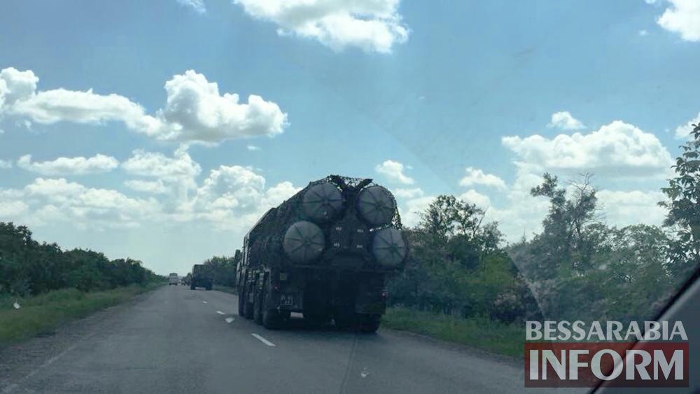 tShM6OkkKkI В Бессарабию направляется колона ракетных комплексов С-300 (фото)