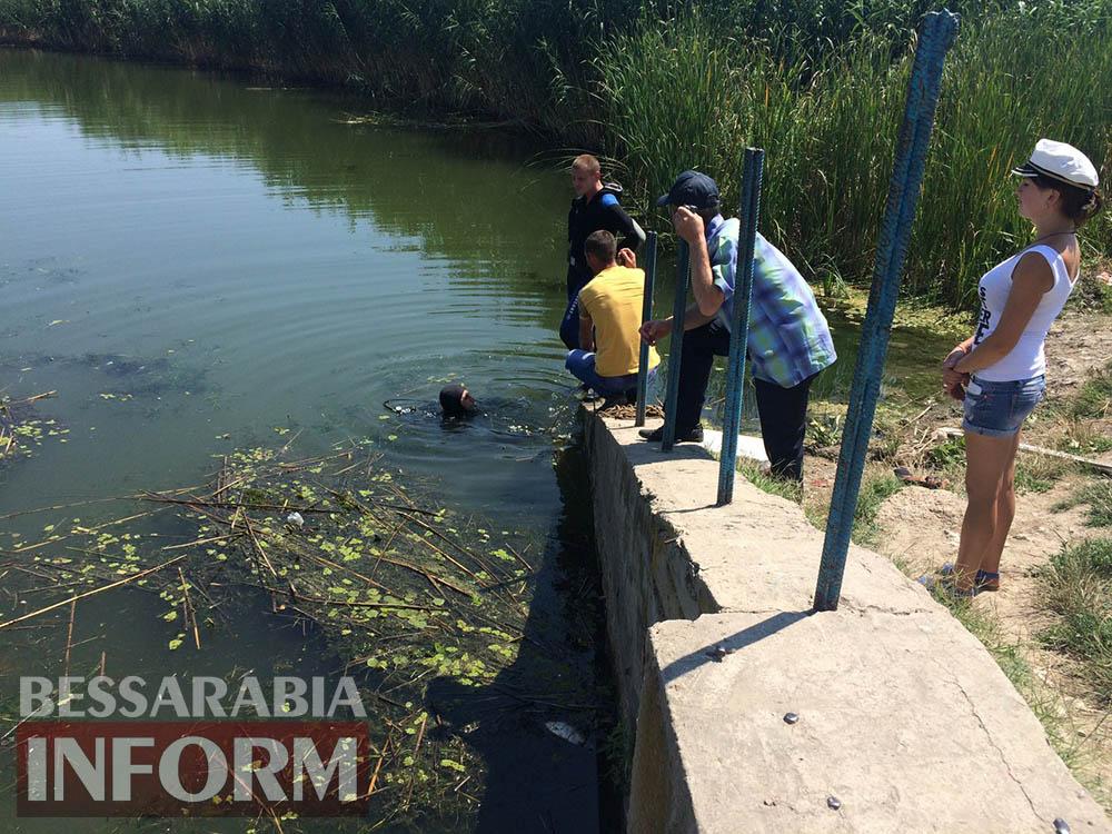 В Измаильском р-не водолазы ищут пропавшего рыбака (фото, видео)