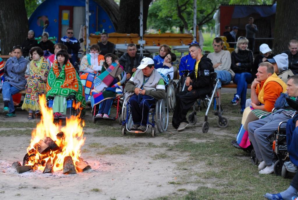 xshU-KGsk3A-1024x686 Мир не без добрых людей: измаильчане организовывают лагерь для инвалидов