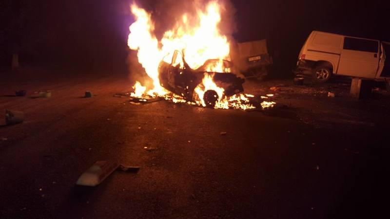 11800362_10204414268069084_3025962698118819386_n На трассе Одесса-Рени в результате столкновения взорвалось такси