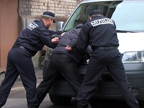 В Белгород-Днестровском р-не задержали разыскиваемого преступника