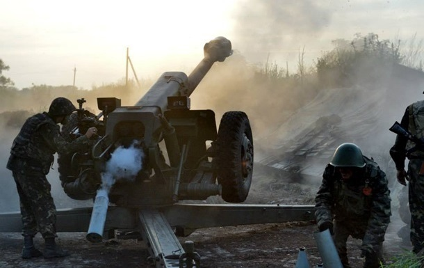 1668113 На Донбассе резко выросло количество обстрелов