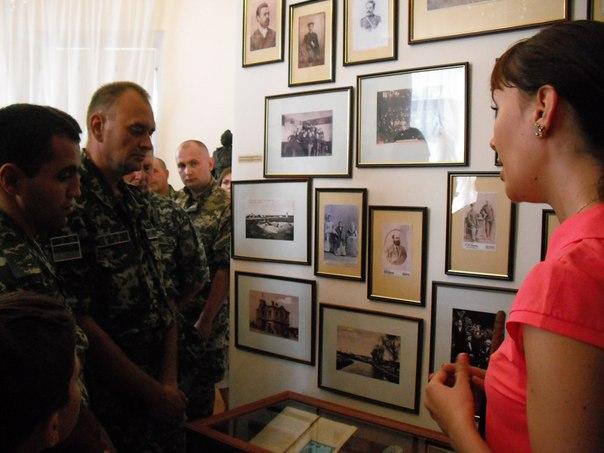 CoE_Ko8LstE В Измаиле открылась выставка, посвященная 70-летию установки памятника А.В Суворову