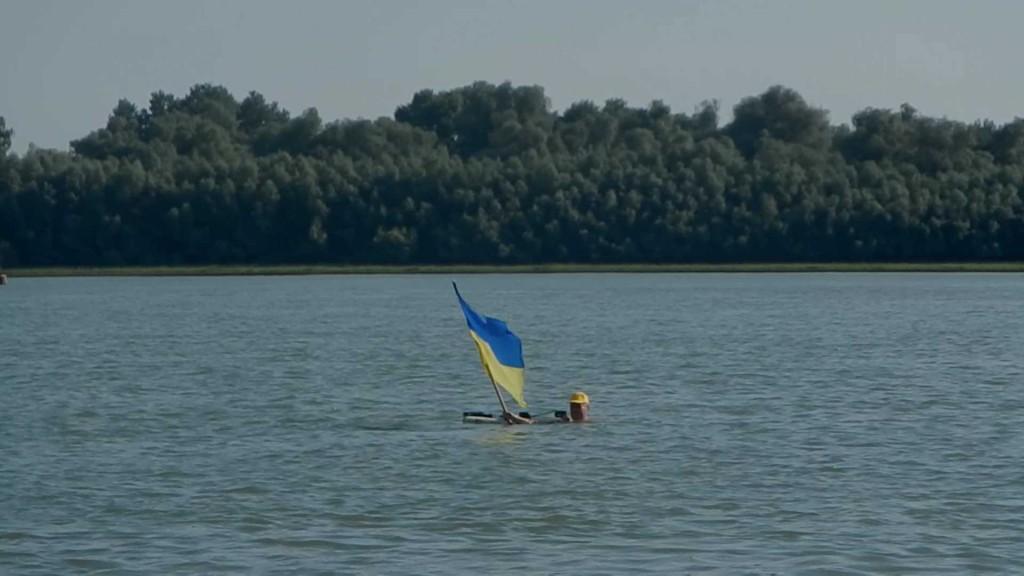 DSCN9040.MOV_000005607-1024x576 Моржи Придунавья провели акцию «Заплыв с флагом Украины»