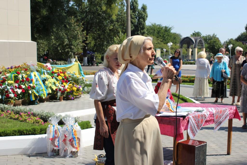IMG_27901-1024x683 На День Независимости измаильчане развернули стометровый флаг (фоторепортаж)
