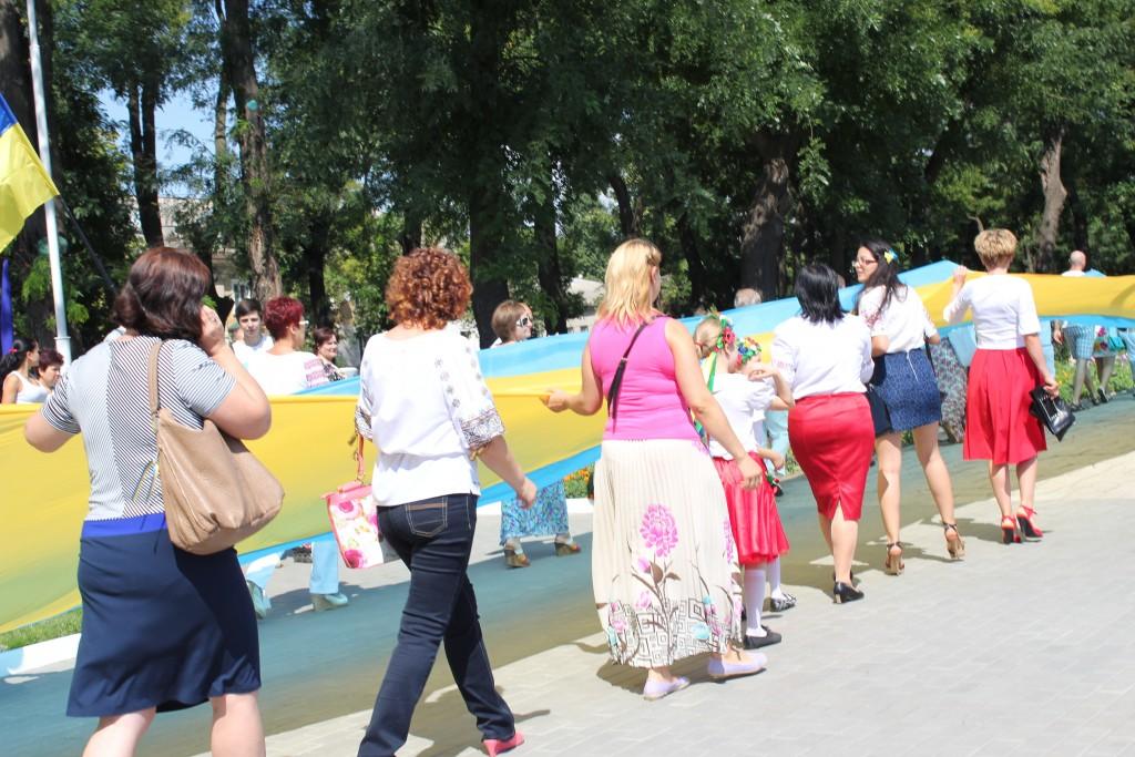 IMG_2826-1024x683 На День Независимости измаильчане развернули стометровый флаг (фоторепортаж)