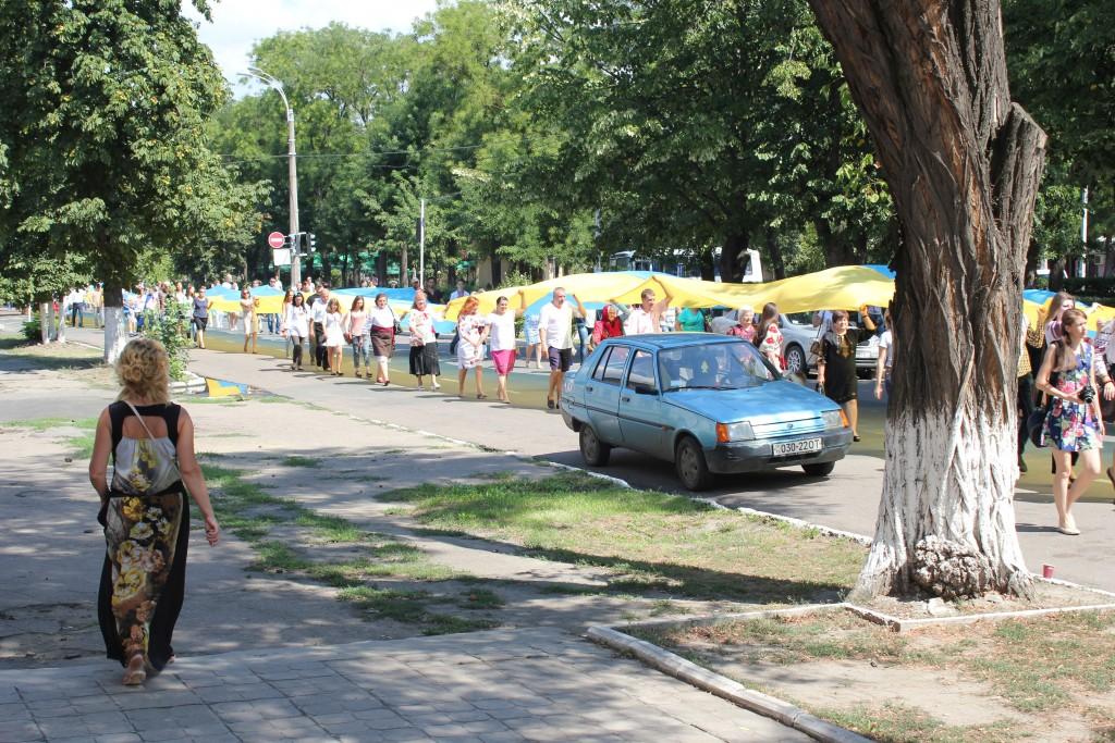 IMG_2884-1024x683 На День Независимости измаильчане развернули стометровый флаг (фоторепортаж)