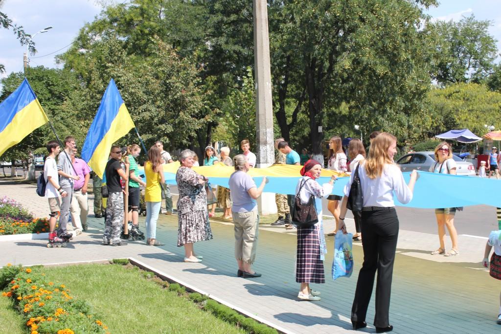 IMG_2909-1024x683 На День Независимости измаильчане развернули стометровый флаг (фоторепортаж)