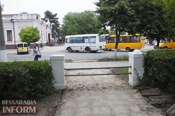 cKwNpMk3kOU В Измаиле не оставляют попыток перевоспитать пешеходов (фотофакт)