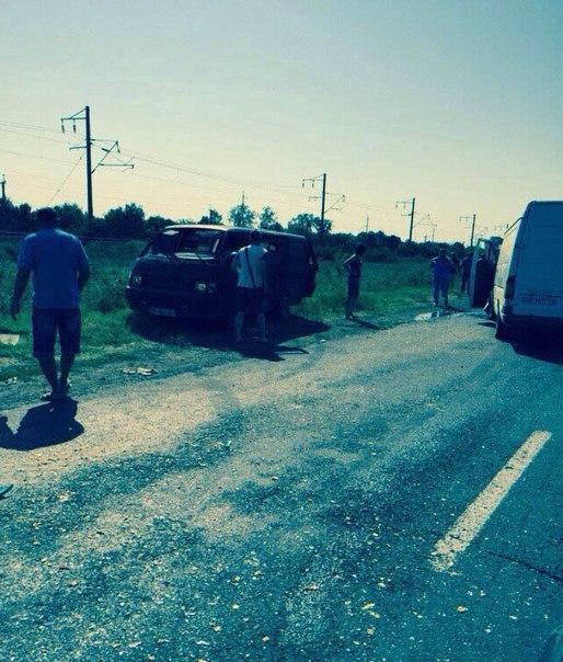 Два микроавтобуса не поделили дорогу в Затоку: есть пострадавшие