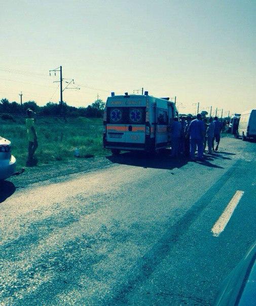 tNJ-LLVVZTU Два микроавтобуса не поделили дорогу в Затоку: есть пострадавшие