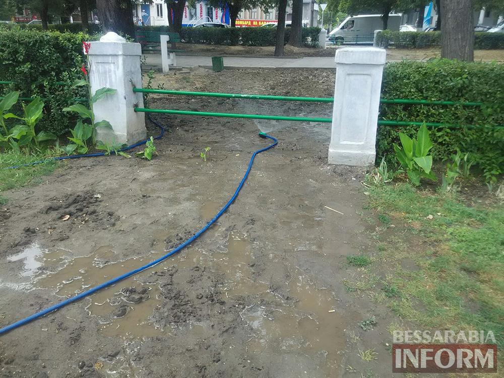 В Измаиле не оставляют попыток перевоспитать пешеходов (фотофакт)