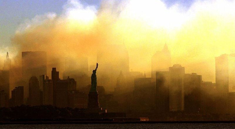 1209-800x440 Сегодня вспоминают жертв теракта 11 сентября (фото)