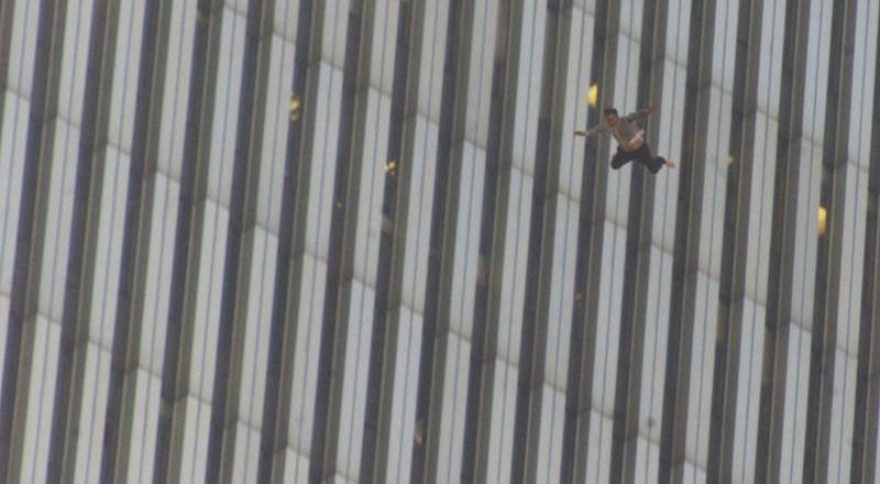 1270-800x440 Сегодня вспоминают жертв теракта 11 сентября (фото)