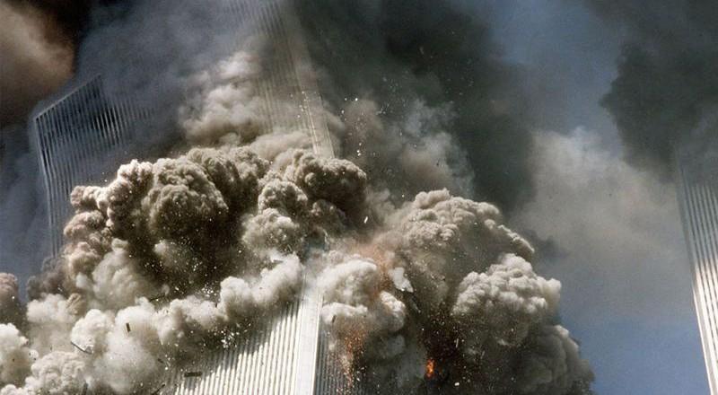2048-800x440 Сегодня вспоминают жертв теракта 11 сентября (фото)