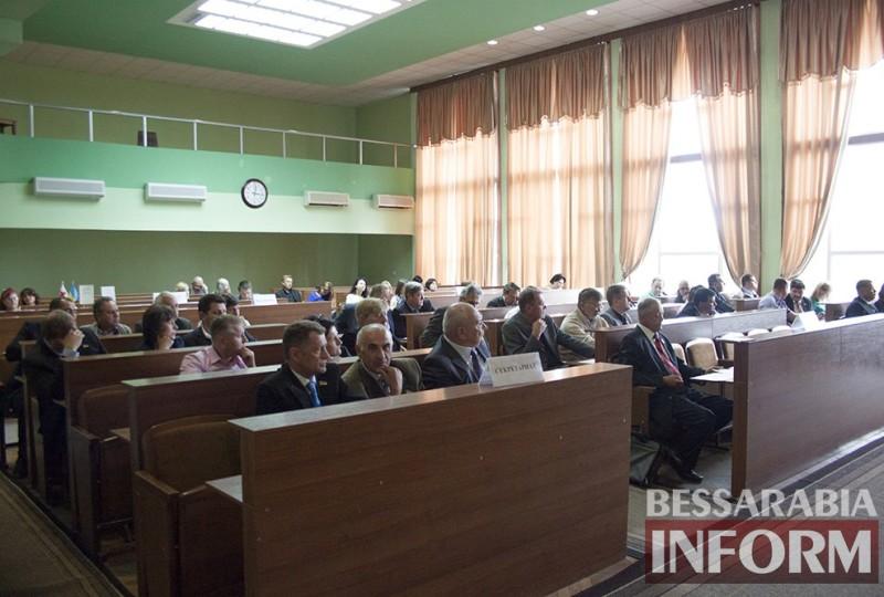 2rq09aCkmGM-800x540 Последняя сессия Измаильского городского совета: комплименты и реверансы