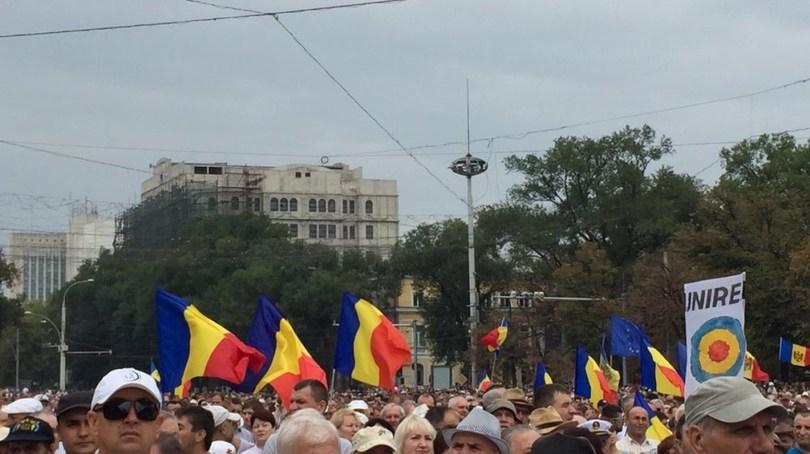645939_5_w_1000 В центре Кишинева собрался 100-тысячный антиправительственный митинг