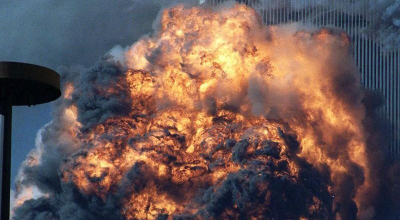 679-800x440 Сегодня вспоминают жертв теракта 11 сентября (фото)