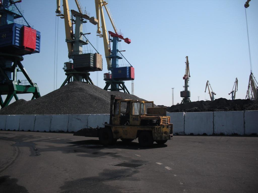 DSCF0024-1024x768 В Измаильском порту в честь выполнения годового плана нарядили новогоднюю елку