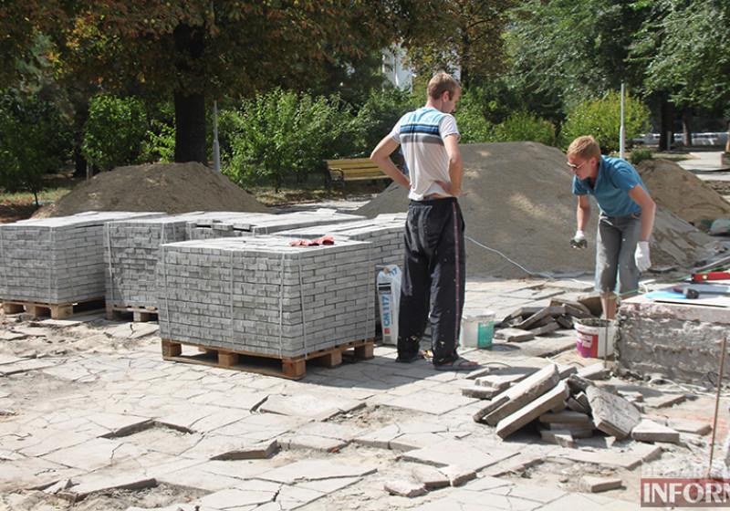IMG_5624-800x560 Завершающий этап ремонта центрального фонтана в Измаиле стартовал (фото)