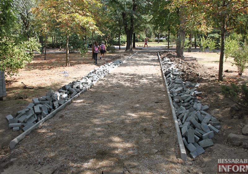 IMG_5627-800x560 Завершающий этап ремонта центрального фонтана в Измаиле стартовал (фото)