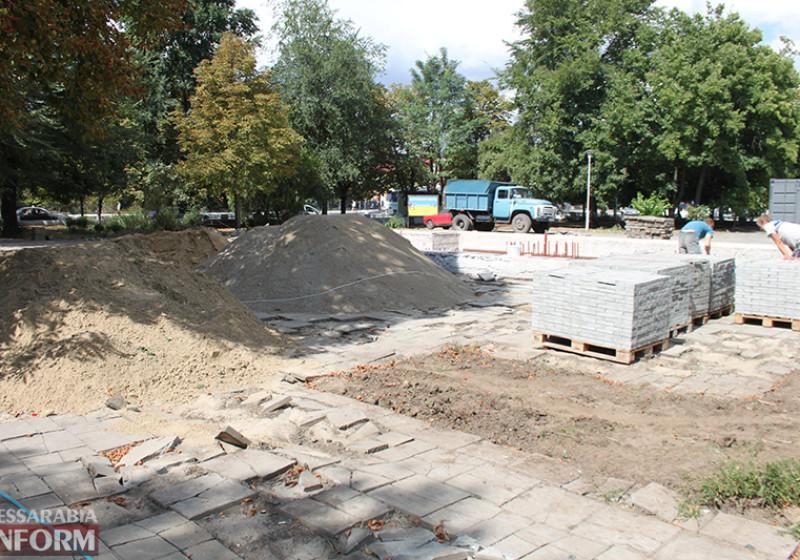 IMG_5628-800x560 Завершающий этап ремонта центрального фонтана в Измаиле стартовал (фото)