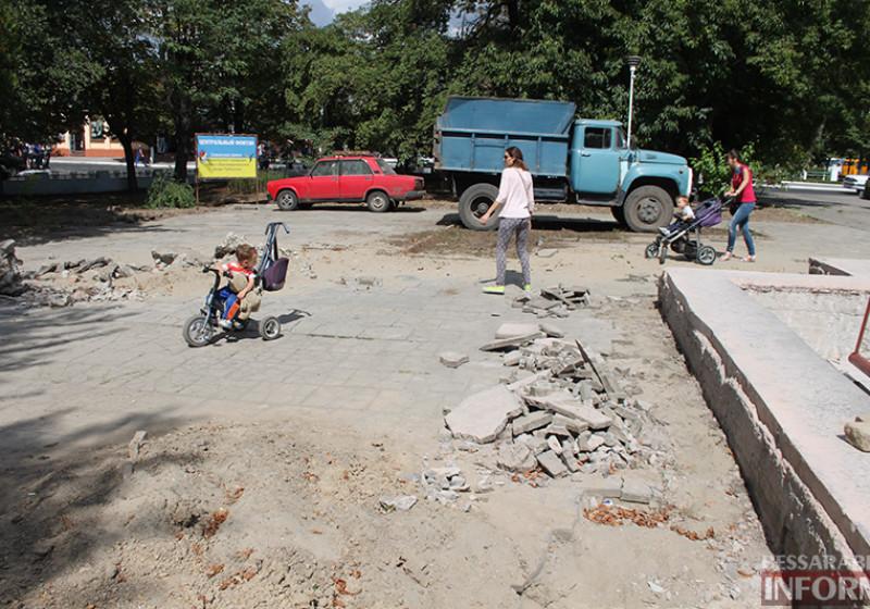 IMG_5634-800x560 Завершающий этап ремонта центрального фонтана в Измаиле стартовал (фото)