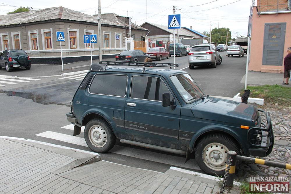 """Измаил: Нива в рубрике """"Я паркуюсь как........"""""""