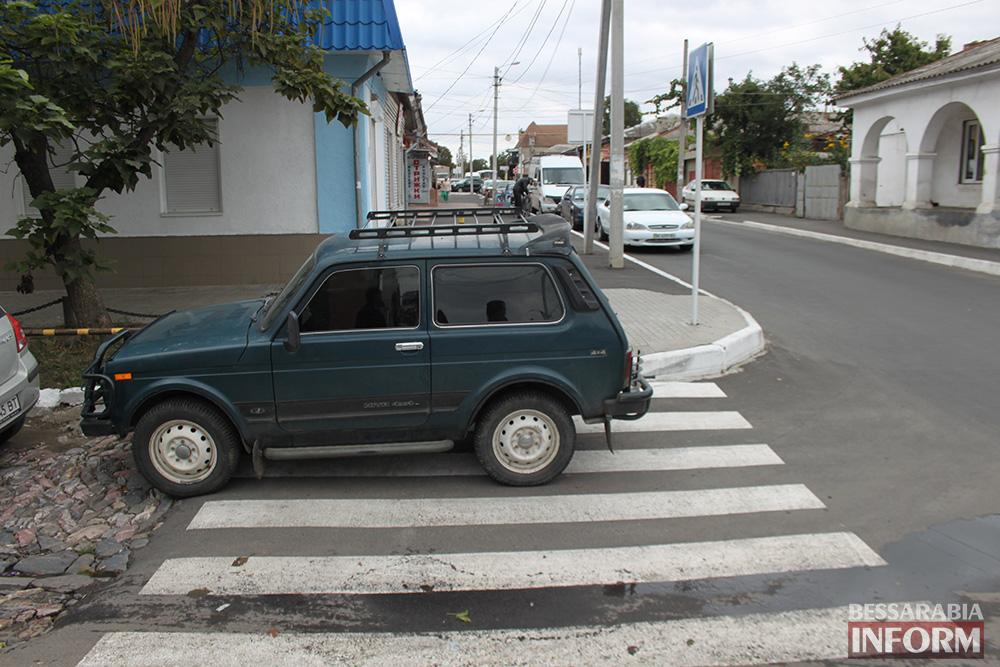 """IMG_7004 Измаил: Нива в рубрике """"Я паркуюсь как........"""""""